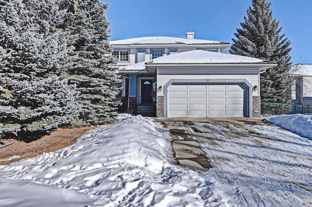109 Valley Ridge Court NW, Calgary, AB T3B 5L4 (#C4167782) :: Canmore & Banff