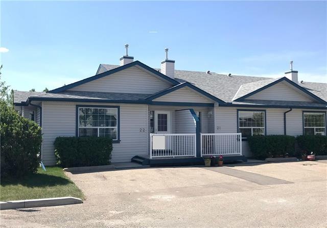 33 Stonegate Drive NW #22, Airdrie, AB T4B 2V9 (#C4174729) :: Canmore & Banff