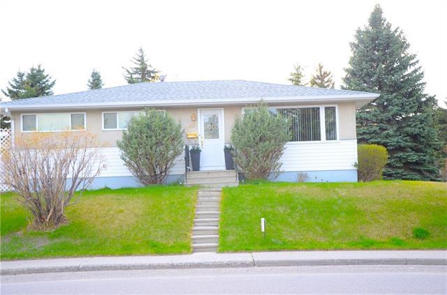 1415 47 Street SW, Calgary, AB T3C 2E1 (#C4174790) :: The Cliff Stevenson Group