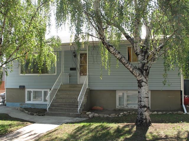 560 Northmount Drive NW, Calgary, AB T2K 3J2 (#C4176194) :: Redline Real Estate Group Inc