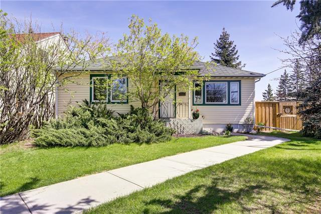 1624 Summit Street SW, Calgary, AB T3C 2M1 (#C4176483) :: Redline Real Estate Group Inc