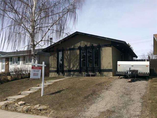 464 Malvern Close NE, Calgary, AB T2A 4W8 (#C4177435) :: The Cliff Stevenson Group