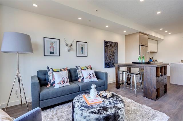 3450 19 Street SW #206, Calgary, AB T2T 1Z3 (#C4178050) :: Redline Real Estate Group Inc