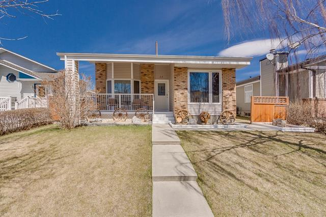 13 Mountain Circle SE, Airdrie, AB T4A 1X8 (#C4178163) :: Redline Real Estate Group Inc