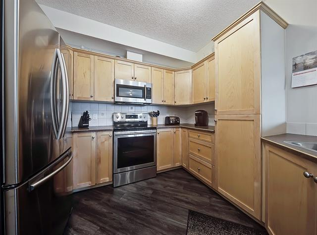 500 7 Street NW #208, High River, AB T1V 1T6 (#C4181815) :: Tonkinson Real Estate Team