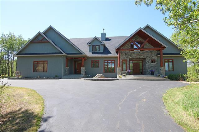 31250 Woodland Way, Rural Rocky View County, AB T3R 1G5 (#C4182865) :: Redline Real Estate Group Inc