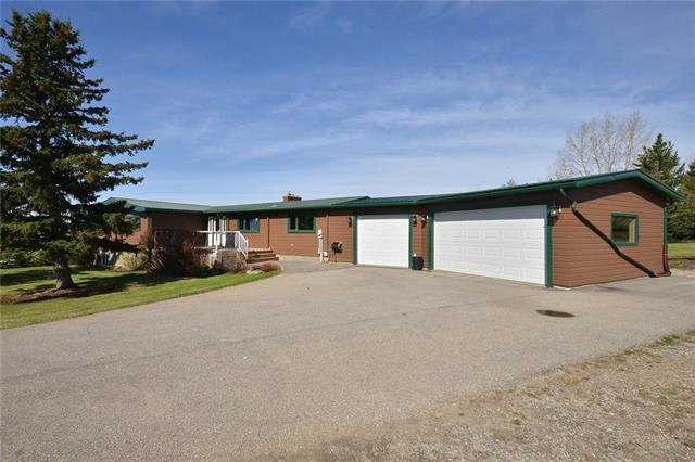 24 Mountain Glen Close, Rural Rocky View County, AB T4C 1A2 (#C4183133) :: Redline Real Estate Group Inc