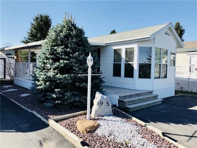 95 Wildrose Drive, Rural Foothills M.D., AB T1S 1B4 (#C4183386) :: Redline Real Estate Group Inc