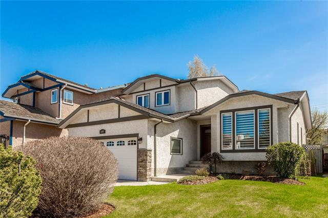 149 Wood Valley Place SW, Calgary, AB T2W 5V5 (#C4183948) :: The Cliff Stevenson Group