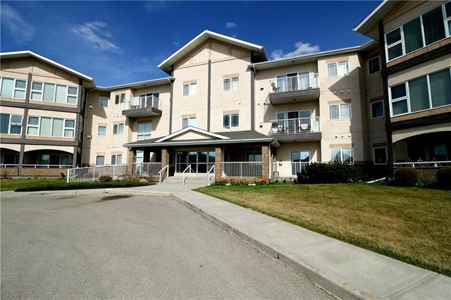45 Westlake Circle #105, Strathmore, AB T1P 1T6 (#C4184125) :: Redline Real Estate Group Inc