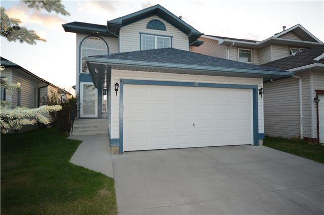 15 Erin Grove SE, Calgary, AB T2B 3L1 (#C4184262) :: Canmore & Banff