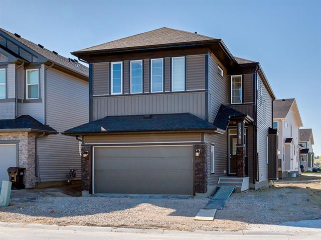 208 Sherwood Place NW, Calgary, AB T3R 0Y3 (#C4184544) :: The Cliff Stevenson Group