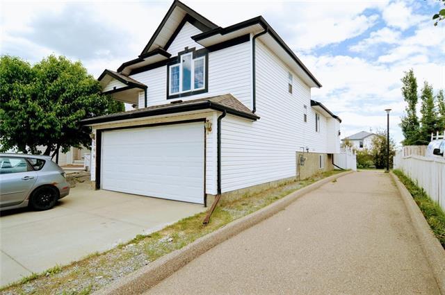 264 Fresno Place NE, Calgary, AB T1Y 6Y3 (#C4190853) :: The Cliff Stevenson Group