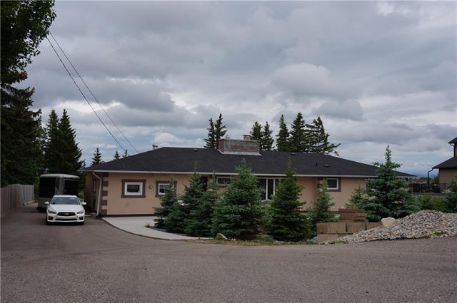 10825 Eamon Road NW, Calgary, AB T3G 5H2 (#C4191382) :: The Cliff Stevenson Group