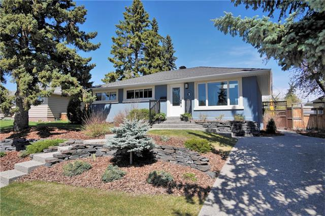 2 Kelwood Place SW, Calgary, AB T3E 4A2 (#C4191963) :: Your Calgary Real Estate
