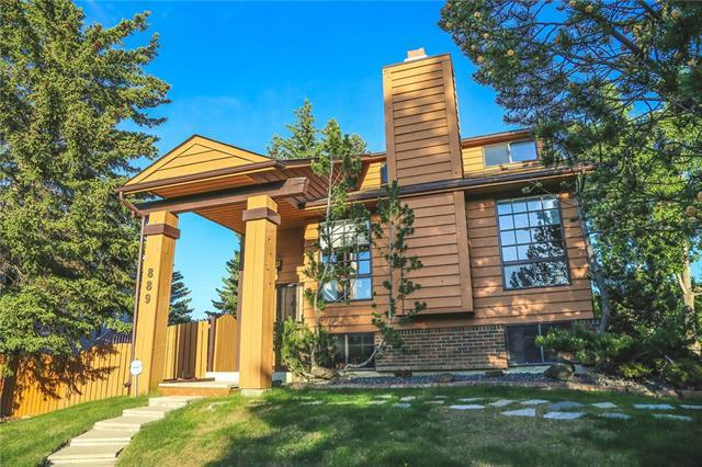 889 Coach Side Crescent SW, Calgary, AB T3H 1A6 (#C4192390) :: Calgary Homefinders