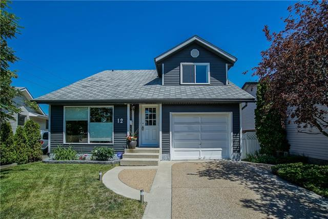 12 Strathclair Rise SW, Calgary, AB T3H 1J4 (#C4195785) :: Tonkinson Real Estate Team
