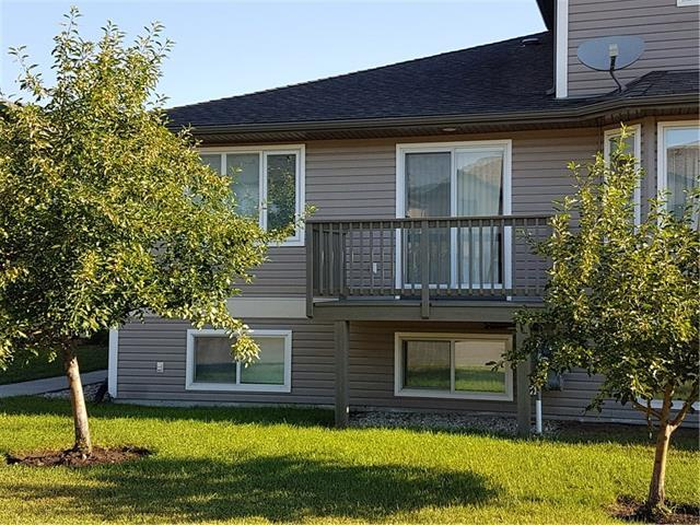 29 Wellington Cove A, Strathmore, AB T1P 1M3 (#C4196293) :: Your Calgary Real Estate