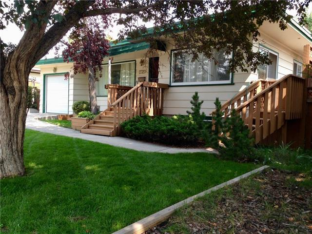 2320 Capitol Hill Crescent NW, Calgary, AB  (#C4196415) :: The Cliff Stevenson Group