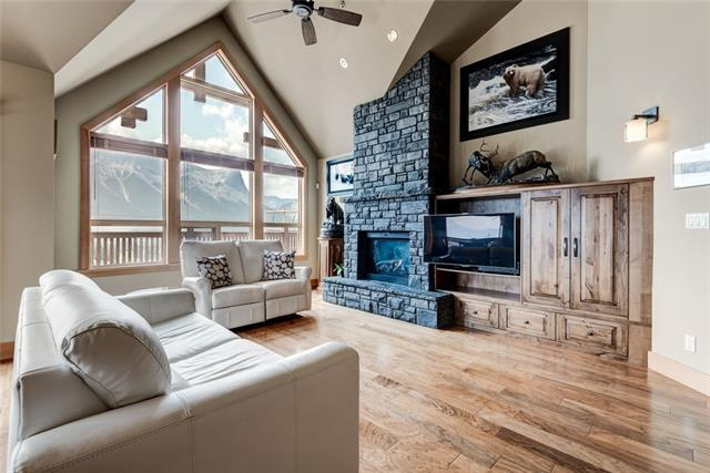 701 Benchlands Trail #403, Canmore, AB T1W 3G9 (#C4197855) :: Redline Real Estate Group Inc