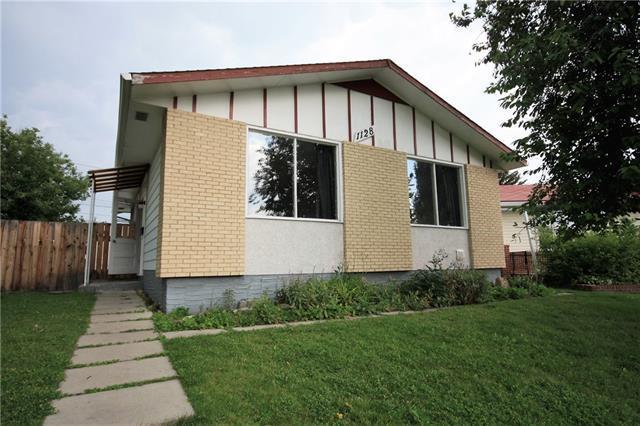 1128 Lake Huron Crescent SE, Calgary, AB T2J 3E7 (#C4198305) :: Redline Real Estate Group Inc