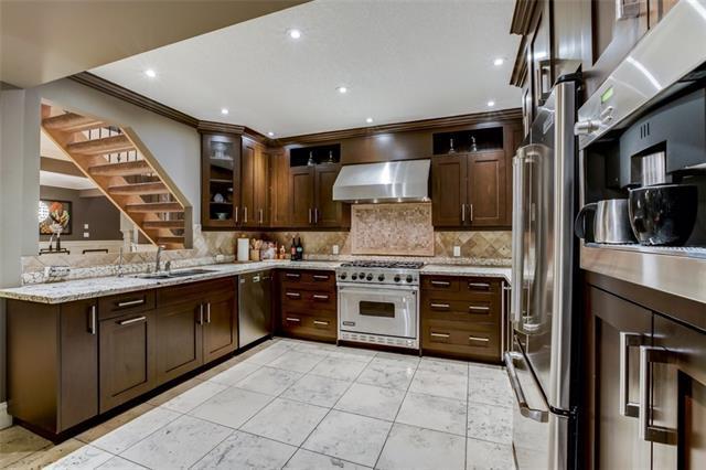 338 Superior Avenue SW, Calgary, AB T3C 2J2 (#C4198716) :: Redline Real Estate Group Inc