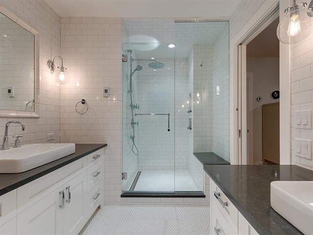 1303 70 Avenue SW, Calgary, AB T2V 0R2 (#C4199598) :: Redline Real Estate Group Inc