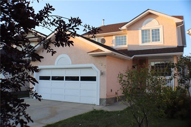 127 Coral Keys Villa(S) NE, Calgary, AB  (#C4201091) :: Redline Real Estate Group Inc