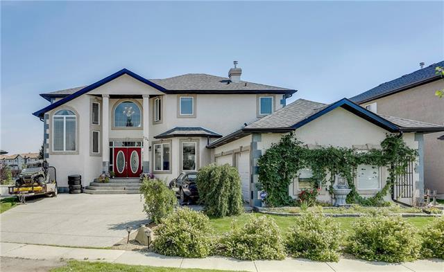 134 Canoe Crescent SW, Airdrie, AB T4B 2N9 (#C4201593) :: Canmore & Banff