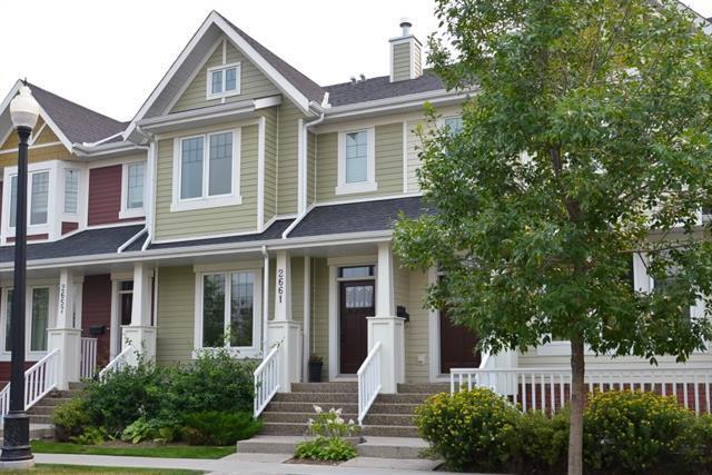 2661 Dallaire Avenue SW, Calgary, AB T3E 7T1 (#C4202294) :: Calgary Homefinders