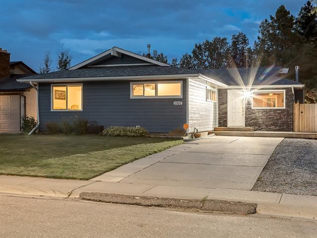 1307 Mapleglade Crescent SE, Calgary, AB T2J 2H4 (#C4203648) :: Redline Real Estate Group Inc