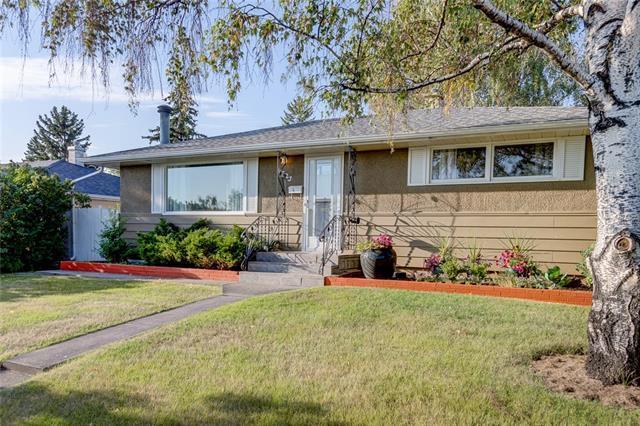 4723 Waverley Drive SW, Calgary, AB T3C 2P5 (#C4203878) :: The Cliff Stevenson Group