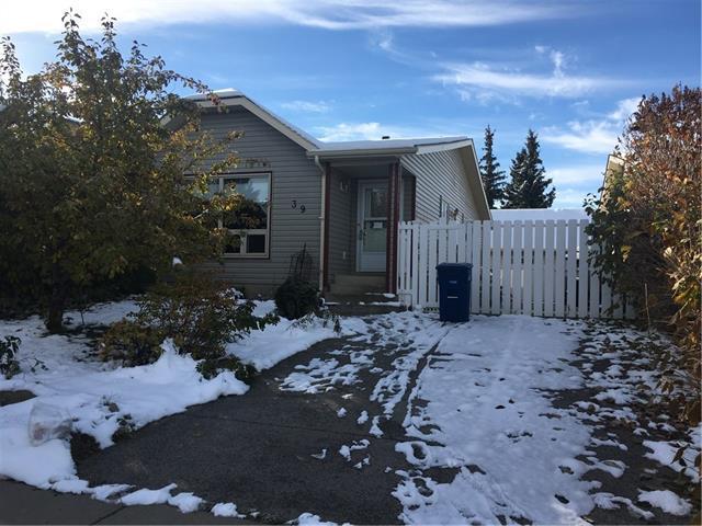 39 Elk Hill(S) SE, Airdrie, AB T4B 1Z1 (#C4204784) :: Calgary Homefinders