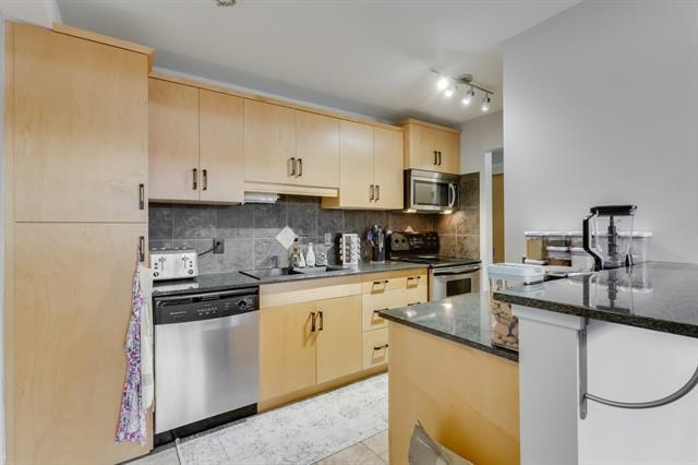 1420 Memorial Drive NW #105, Calgary, AB T2N 3E5 (#C4205036) :: Redline Real Estate Group Inc