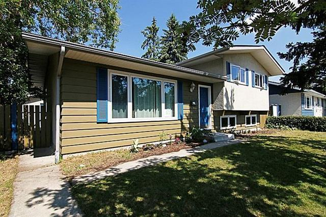 4819 Voyageur Drive NW, Calgary, AB T3A 0P7 (#C4205431) :: Redline Real Estate Group Inc