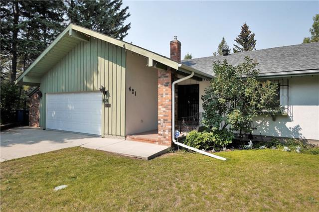 421 Wildwood Drive SW, Calgary, AB T3C 3E4 (#C4205758) :: Redline Real Estate Group Inc