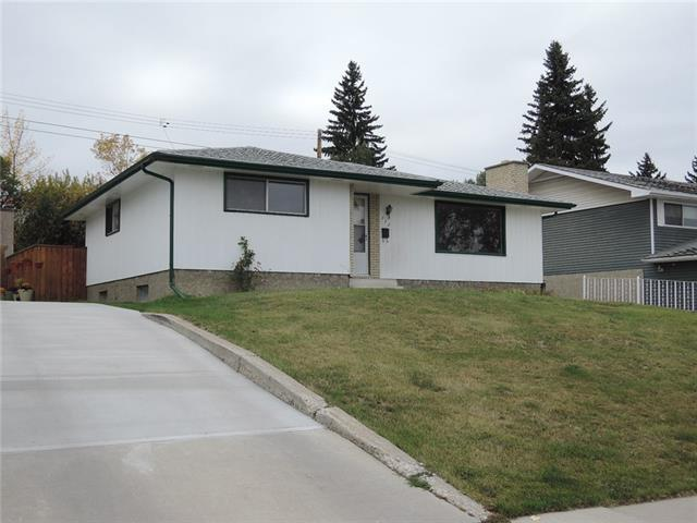 712 Hunts Crescent NW, Calgary, AB T2K 4H9 (#C4205902) :: The Cliff Stevenson Group