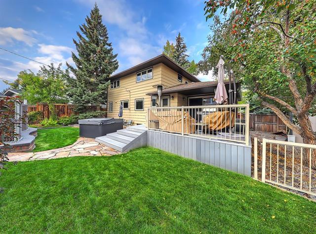 14019 Parkland Boulevard SE, Calgary, AB T2J 3Y2 (#C4208177) :: Tonkinson Real Estate Team