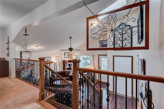 8 Woodborough Place SW, Calgary, AB T2W 4Y2 (#C4209013) :: Calgary Homefinders