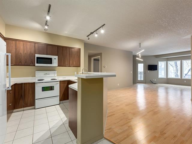 838 19 Avenue SW #212, Calgary, AB T2T 6H2 (#C4209607) :: Canmore & Banff