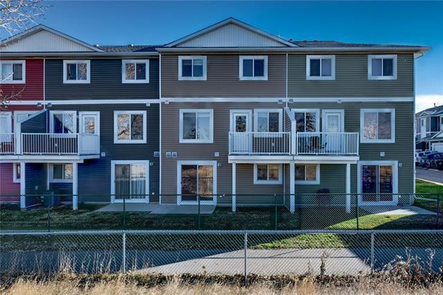 800 Yankee Valley Boulevard SE #402, Airdrie, AB T4A 2L1 (#C4210176) :: Tonkinson Real Estate Team