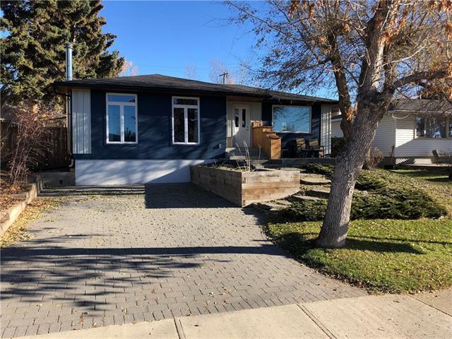 126 Cornwallis Drive NW, Calgary, AB T2K 1V1 (#C4210594) :: Redline Real Estate Group Inc