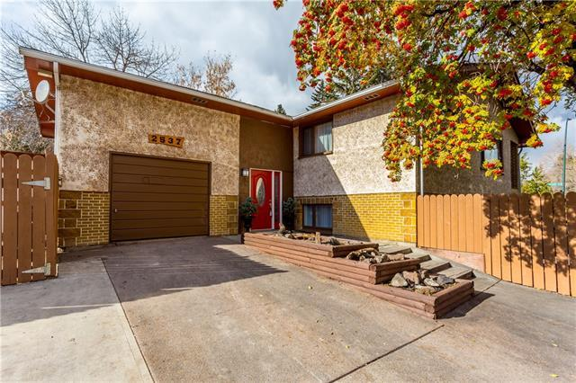 2537 Dogwood Crescent SE, Calgary, AB T2B 1T4 (#C4211022) :: Redline Real Estate Group Inc