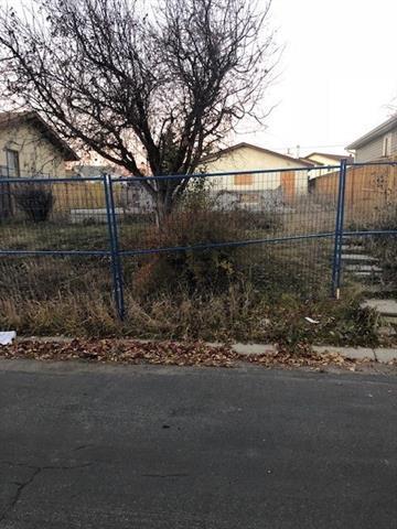 104 Falchurch Crescent NE, Calgary, AB T3J 1K1 (#C4211307) :: Canmore & Banff