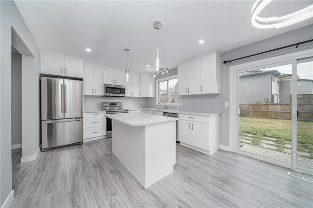 2421 146 Avenue SE, Calgary, AB  (#C4213677) :: Tonkinson Real Estate Team