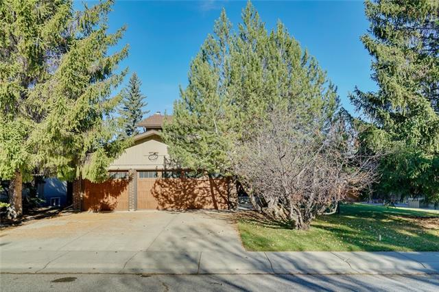 151 Oakside Place SW, Calgary, AB T2V 4R1 (#C4214637) :: Your Calgary Real Estate