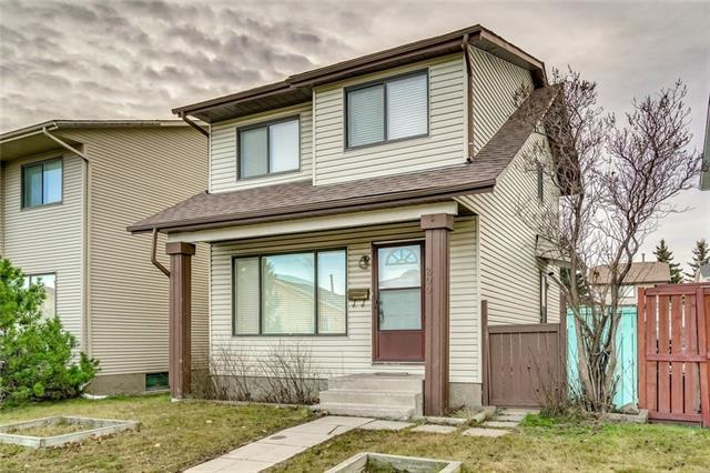 200 Castlegreen Close NE, Calgary, AB T3J 1Y6 (#C4215894) :: The Cliff Stevenson Group