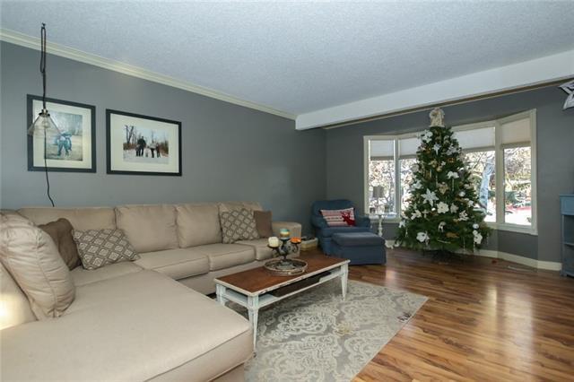 211 Woodrow Place, Okotoks, AB T1S 1L5 (#C4218770) :: Redline Real Estate Group Inc