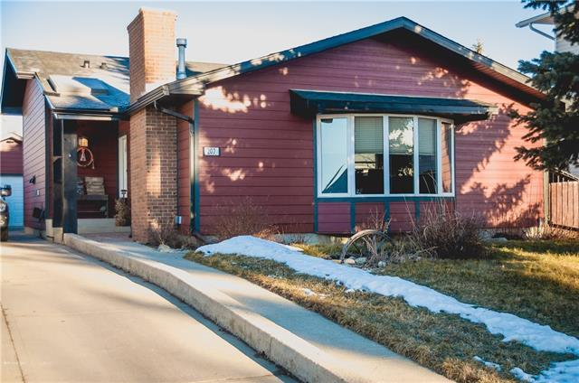 207 Carr Place, Okotoks, AB T1S 1E3 (#C4220541) :: The Cliff Stevenson Group