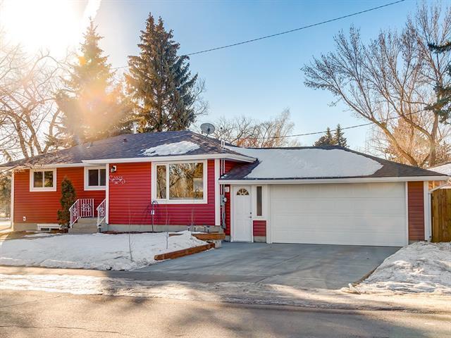 2025 33 Street SE, Calgary, AB T2B 0T8 (#C4220963) :: Redline Real Estate Group Inc
